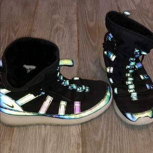 Shoes - Nike boots (glow with flash)